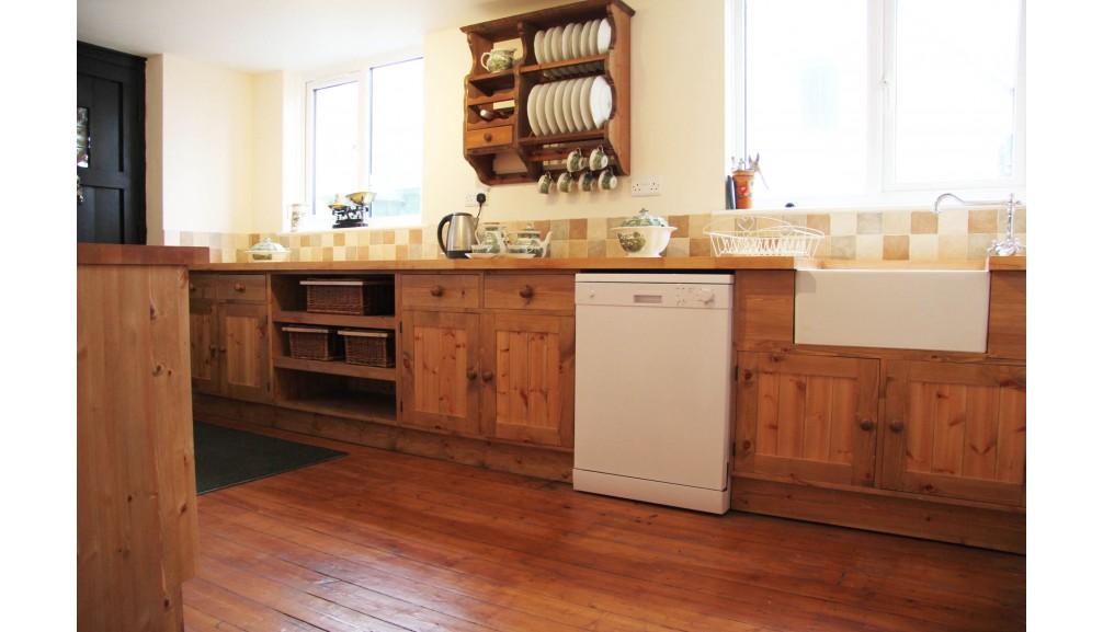 'Custom-Design' Kitchen Units