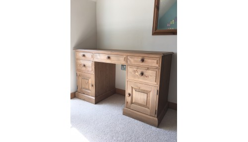 'Edwardian' or 'Shaker' Styles Desk / Dressing Table