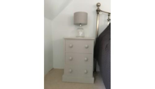 'Shaker' Bedside Cabinet