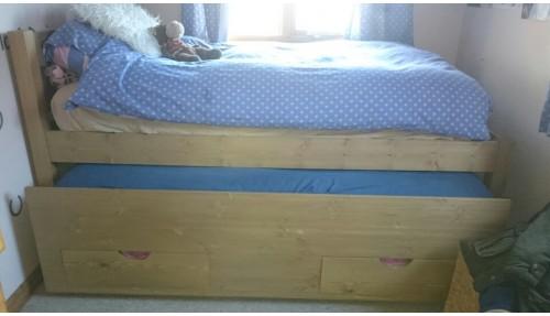 'Custom Design' Trundle Bed