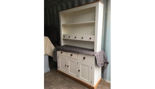 'Custom Design' Shaker Style Dresser with Spice Drawers
