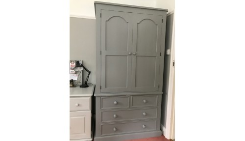 'Custom Design' Large Linen Press Wardrobe
