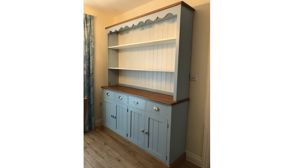 'Custom-Design' Country Style Dresser